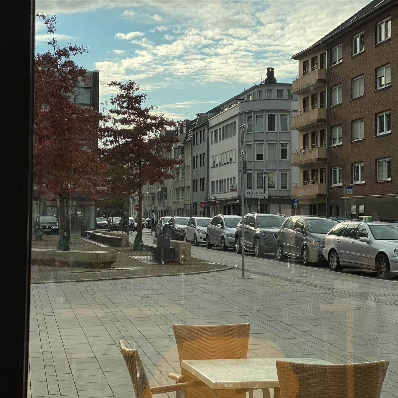 """Weekend modus """"on"""" #mönchengladbach #schillerplatzmönchengladbach  @van.dooren.mg @bonzai74"""